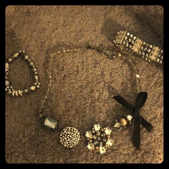 Claire's Jewelry - Necklace and Bracelet Set